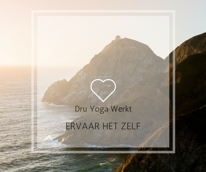 CANVA FOTO WEBSITE YOGA 2017 berg met tex